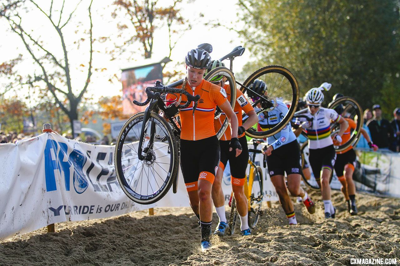 Annemarie Worst leads the top Euros early in the UEC European cyclocross championships. © B. Hazen / Cyclocross Magazine