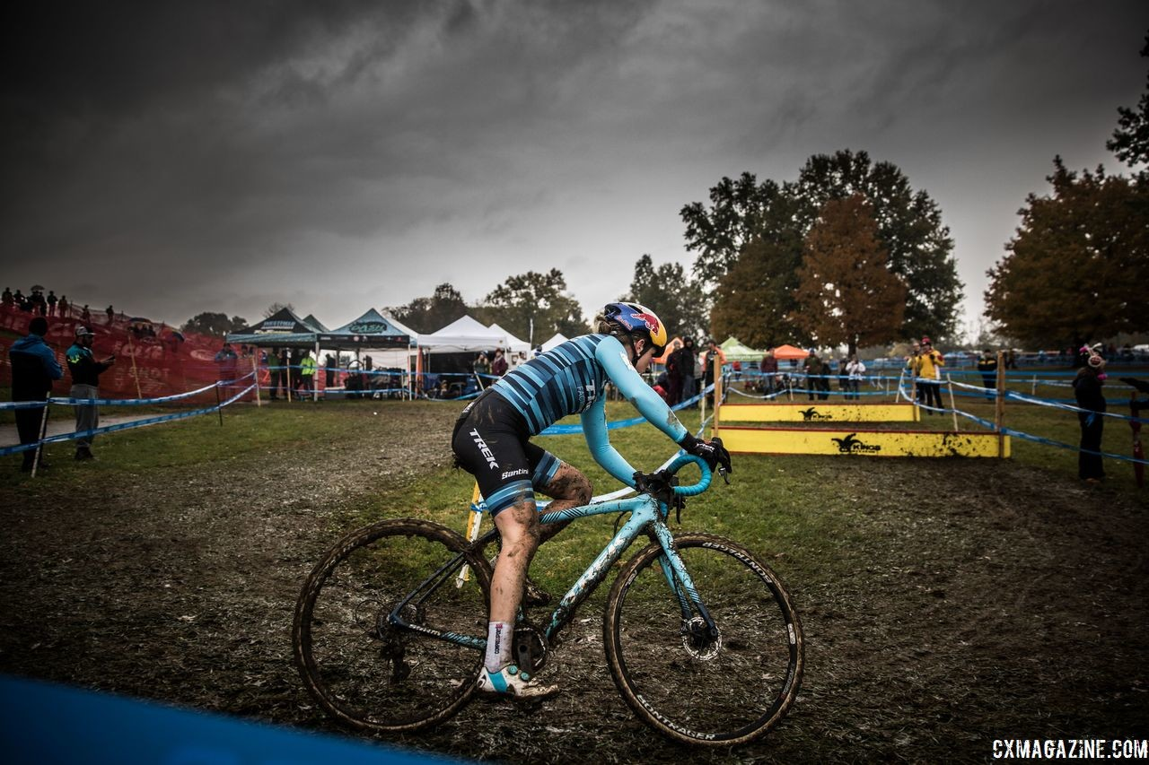 Race winner Ellen Noble heads toward the barriers. 2018 Cincinnati Cyclocross Day 1. © Greg Davis