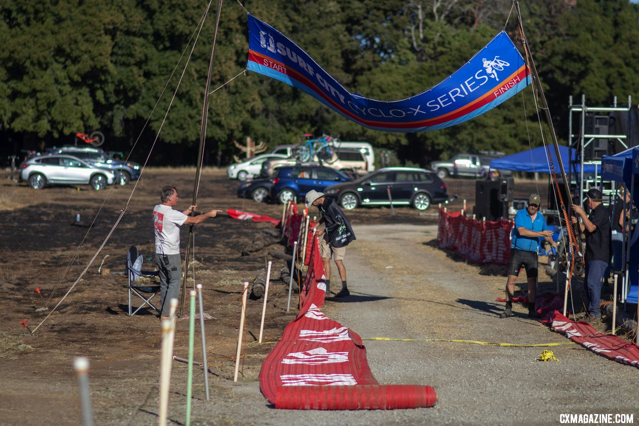 The banner is coming down for the season, but should be back and bigger in 2019. 2018 Surf City p/w Rock Lobster. © A. Yee / Cyclocross Magazine