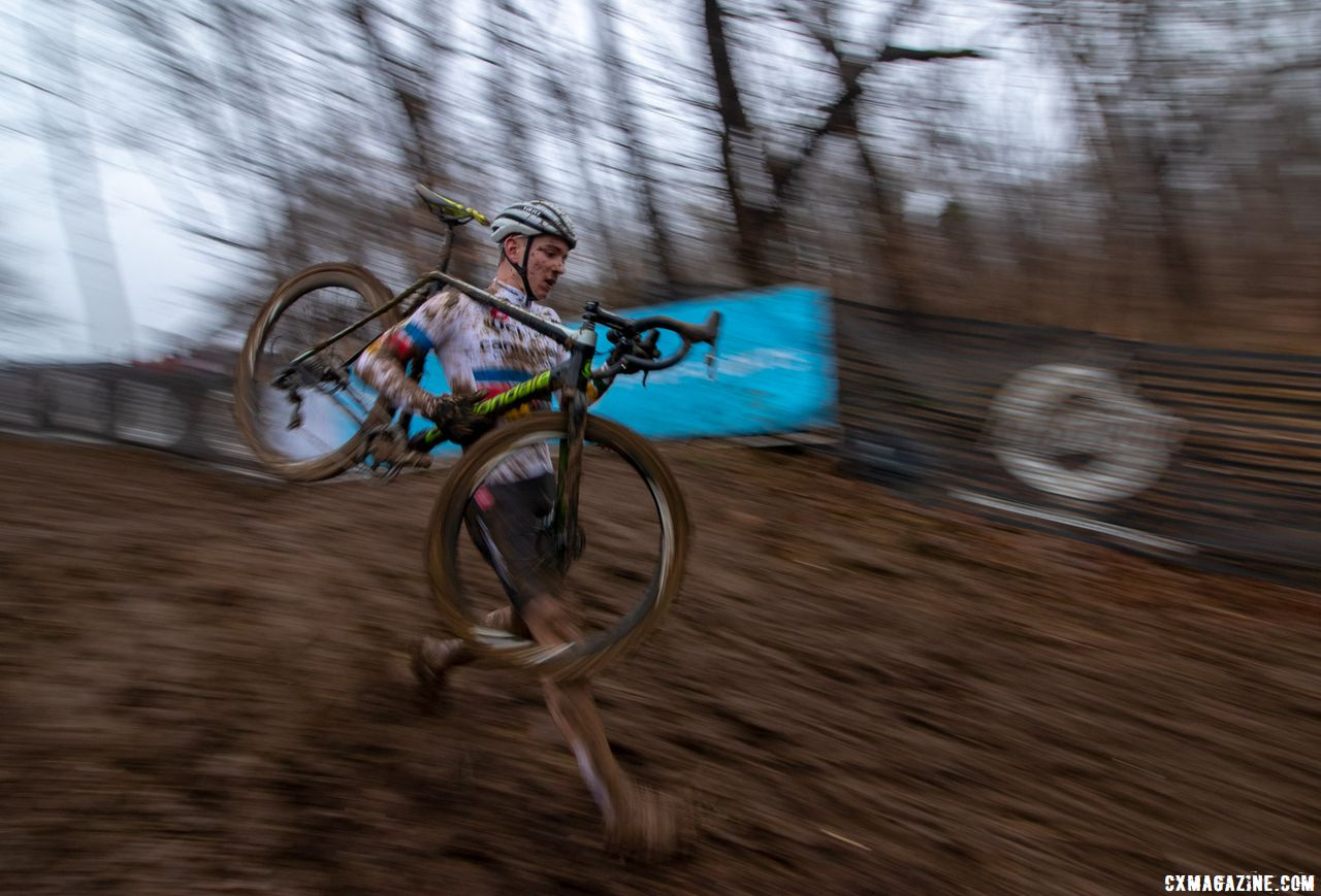 Magnus Sheffield ran the steep drop. It wasn't faster, but as riders bobbled at the bottom turn, he made up ground. Junior Men 17-18. 2018 Cyclocross National Championships, Louisville, KY. © A. Yee / Cyclocross Magazine
