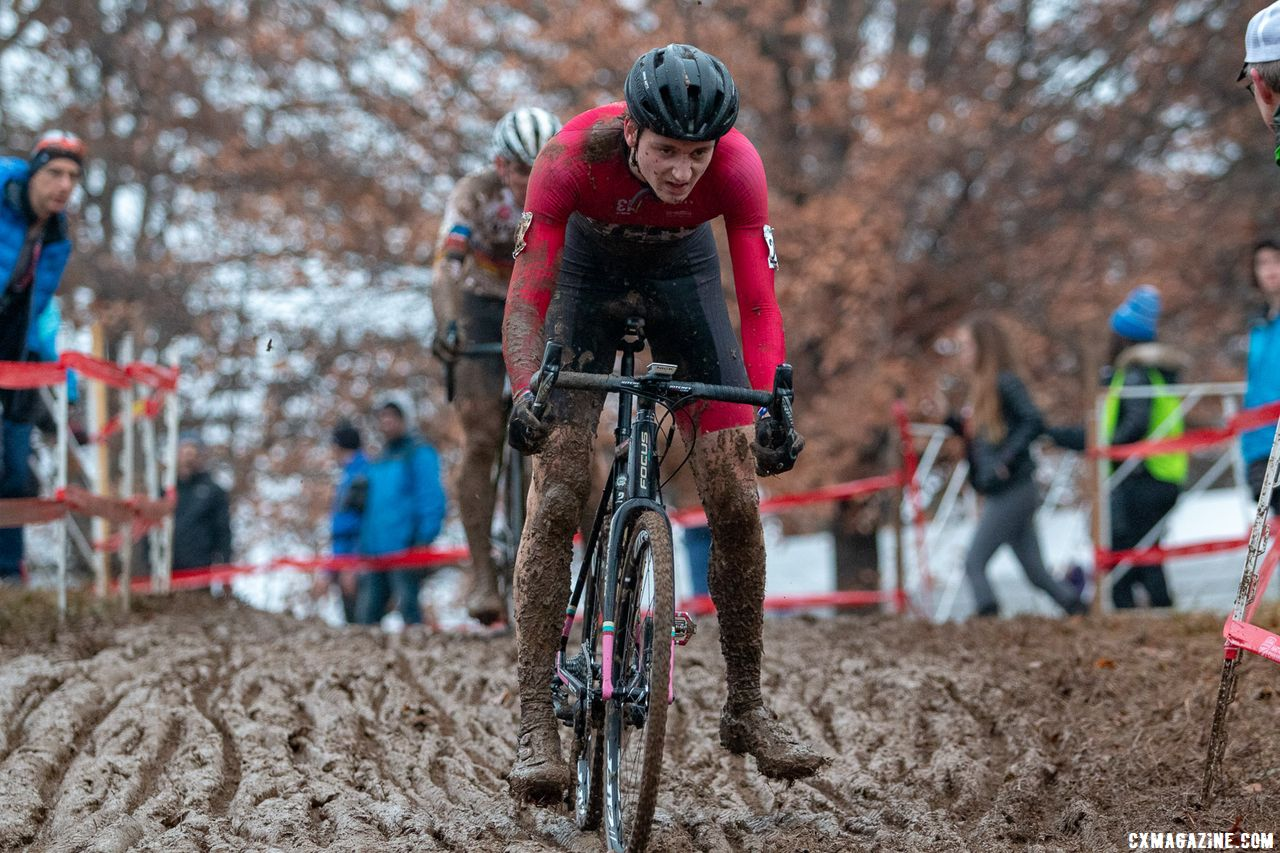 Carter leads Sheffield on the final lap. Junior Men 17-18. 2018 Cyclocross National Championships, Louisville, KY. © A. Yee / Cyclocross Magazine