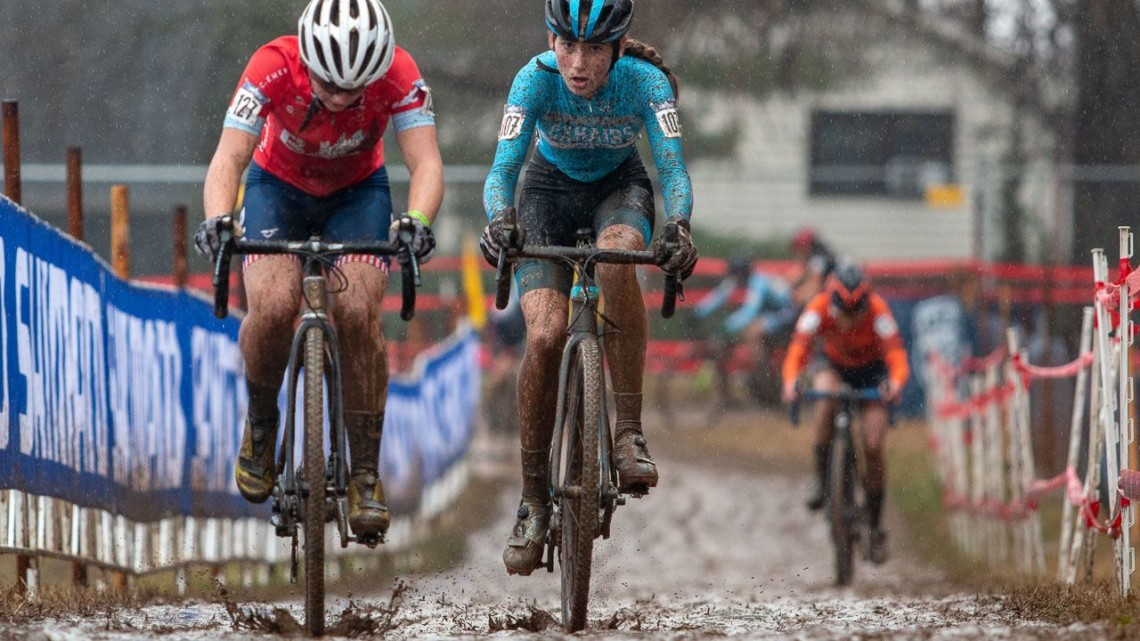Ella Brenneman and Haydn Hludzinski battle for position in the sand. Junior Women 13-14. 2018 Cyclocross National Championships, Louisville, KY. © A. Yee / Cyclocross Magazine