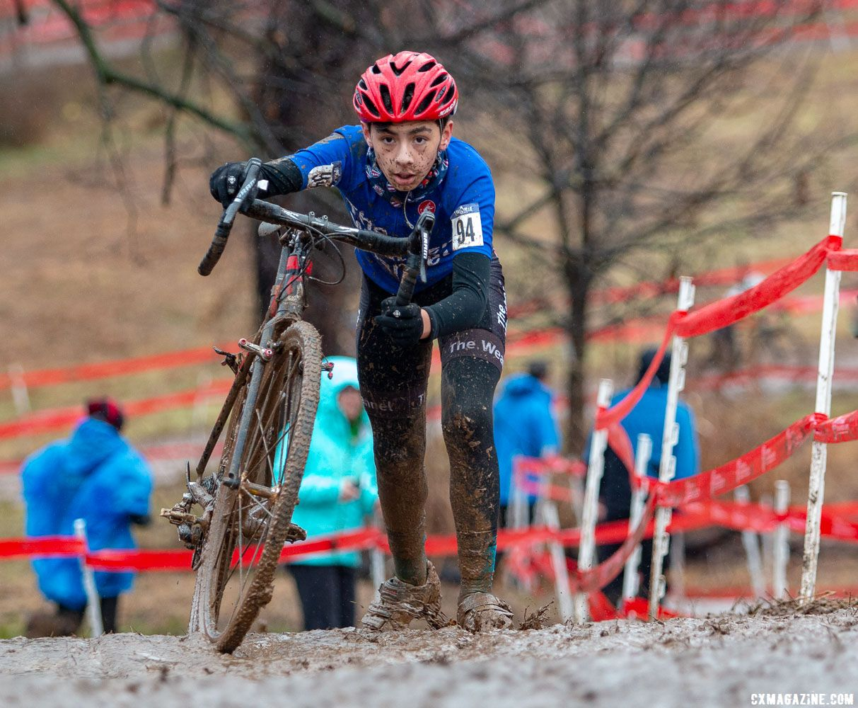 Conditions made the climbs unrideable. Junior Men 11-12. 2018 Cyclocross National Championships, Louisville, KY. © A. Yee / Cyclocross Magazine