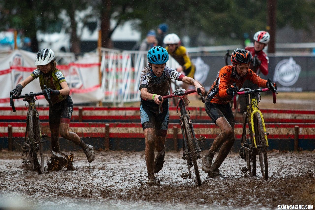 In recent years we have seen juniors hopping barriers. with little speed leading into them, riders opted to dismount. Junior Men 13-14. 2018 Cyclocross National Championships, Louisville, KY. © A. Yee / Cyclocross Magazine