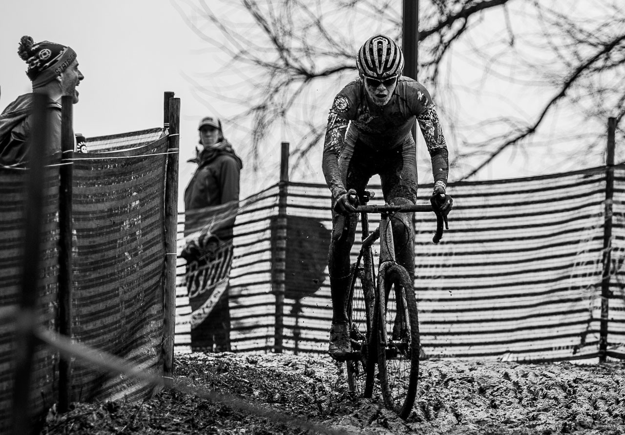Gallego was able to choose his own lines. Junior Men 15-16. 2018 Cyclocross National Championships, Louisville, KY. © A. Yee / Cyclocross Magazine