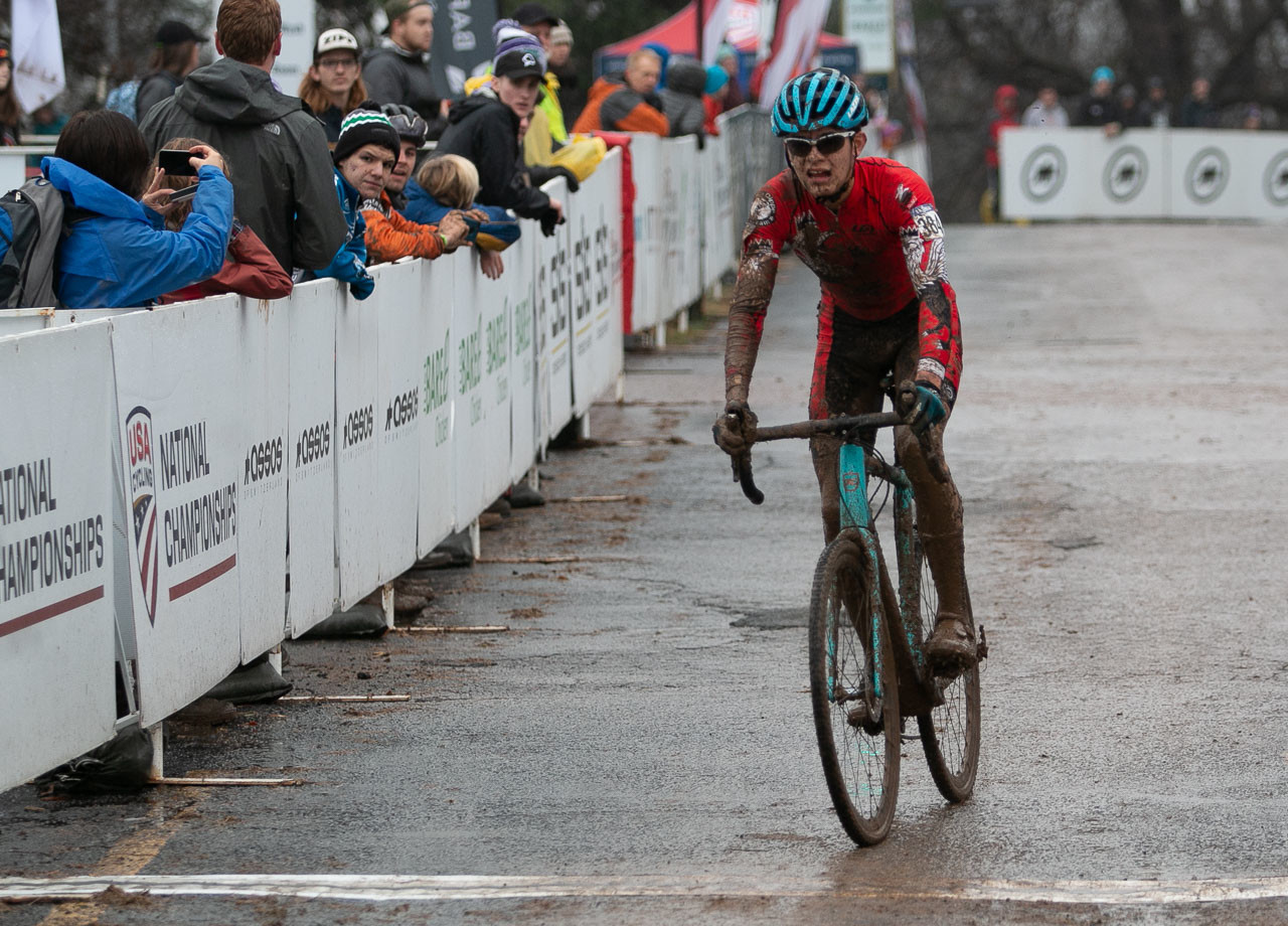 Gallego finished with a 31 second lead. Junior Men 15-16. 2018 Cyclocross National Championships, Louisville, KY. © A. Yee / Cyclocross Magazine