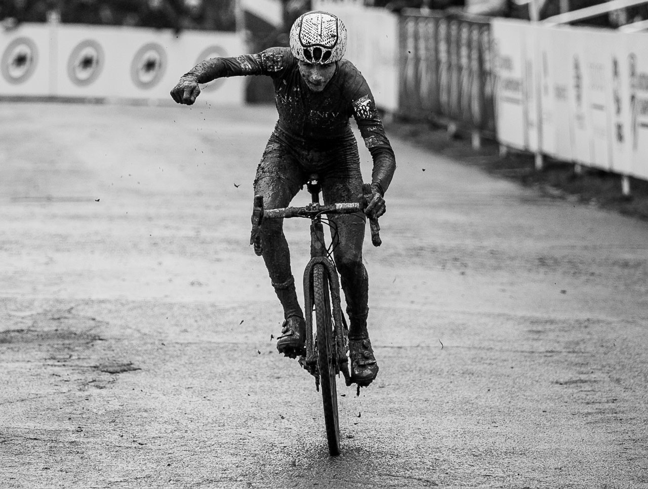 Dylan Zakrajsek scooted his way to a second place. Junior Men 15-16. 2018 Cyclocross National Championships, Louisville, KY. © A. Yee / Cyclocross Magazine