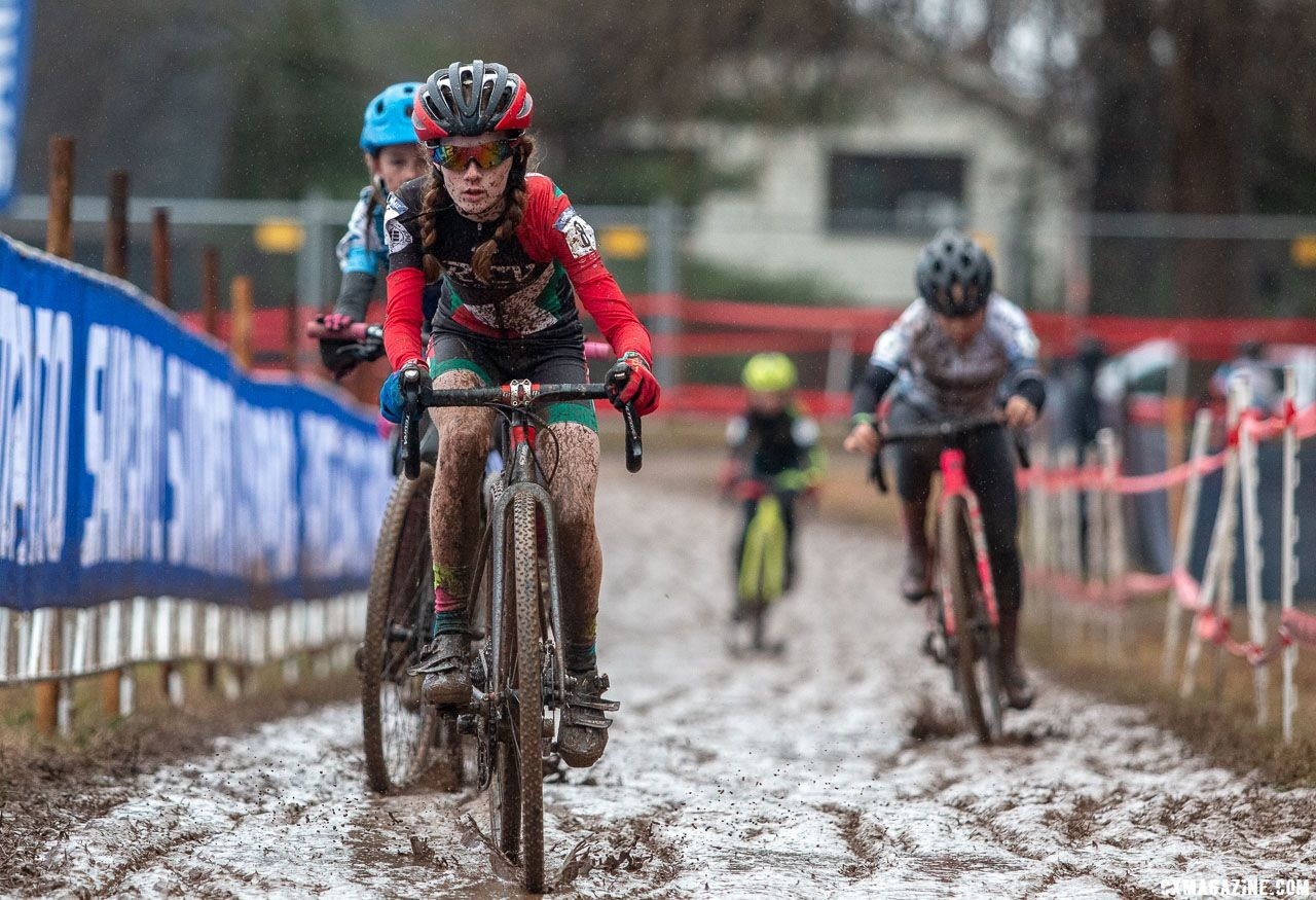 Lidia Cusack rode to a second place finish in Louisville. Junior Women 11-12. 2018 Cyclocross National Championships, Louisville, KY. © A. Yee / Cyclocross Magazine