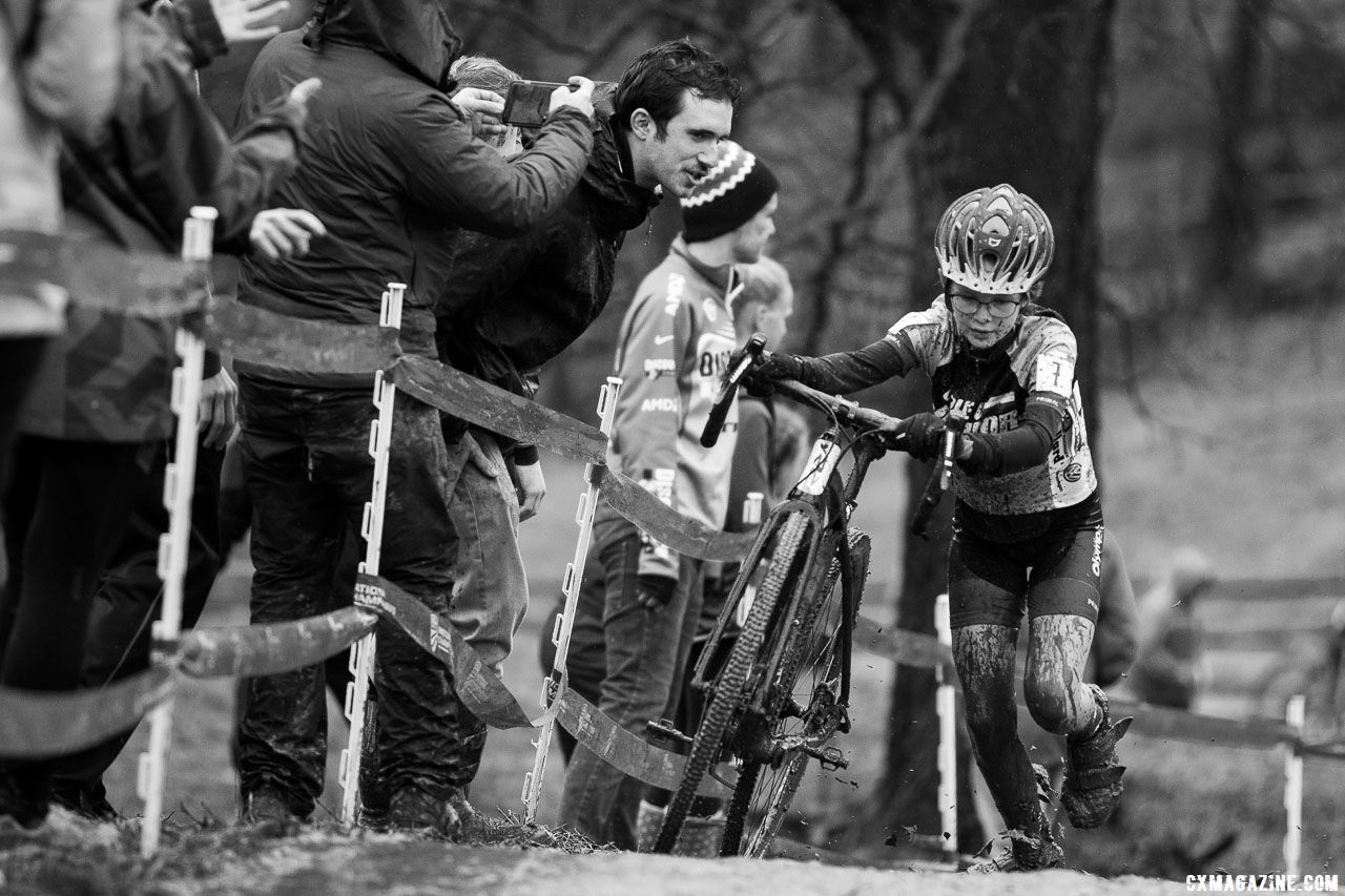 Iris Phillips held on to 10th in the 11-12 field. Junior Women 11-12. 2018 Cyclocross National Championships, Louisville, KY. © A. Yee / Cyclocross Magazine