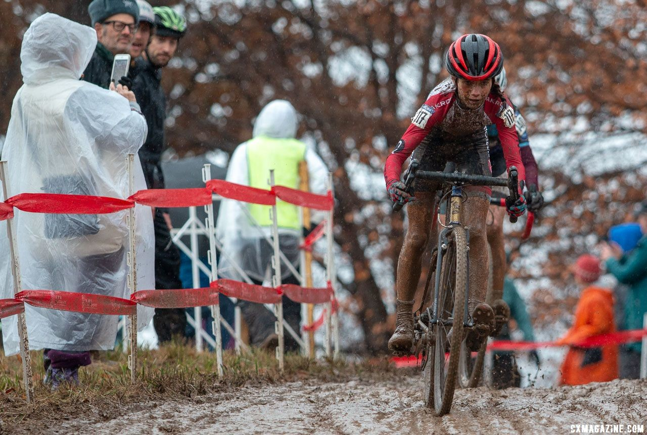 Vida Lopez de San Roman started in the back row but repeated her silver medal from Reno. Junior Women 13-14. 2018 Cyclocross National Championships, Louisville, KY. © A. Yee / Cyclocross Magazine
