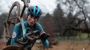 Brenneman shouldered her bike for some of the more extensive runs. Junior Women 13-14. 2018 Cyclocross National Championships, Louisville, KY. © A. Yee / Cyclocross Magazine