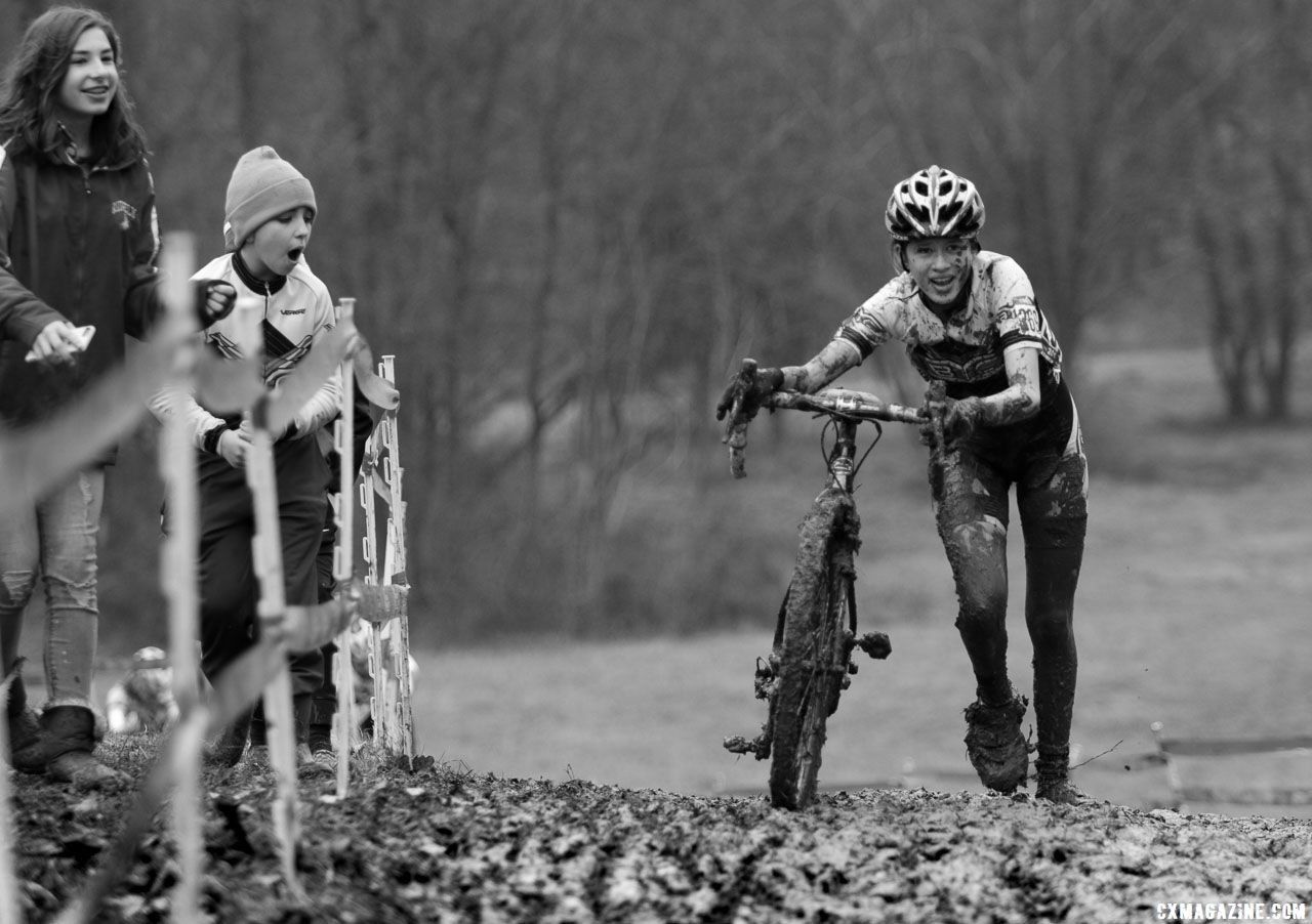 Some riders experienced more mud packing on their bikes than others. Junior Women 15-16. 2018 Cyclocross National Championships, Louisville, KY. © A. Yee / Cyclocross Magazine