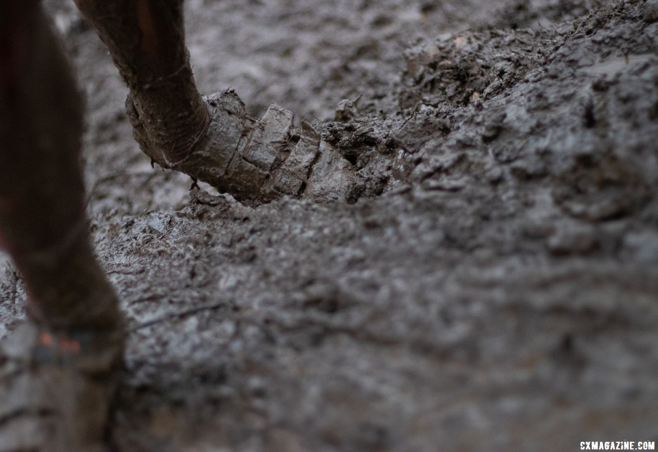 The mud was ankle deep in many spots. Collegiate Varsity Men. 2018 Cyclocross National Championships, Louisville, KY. © A. Yee / Cyclocross Magazine