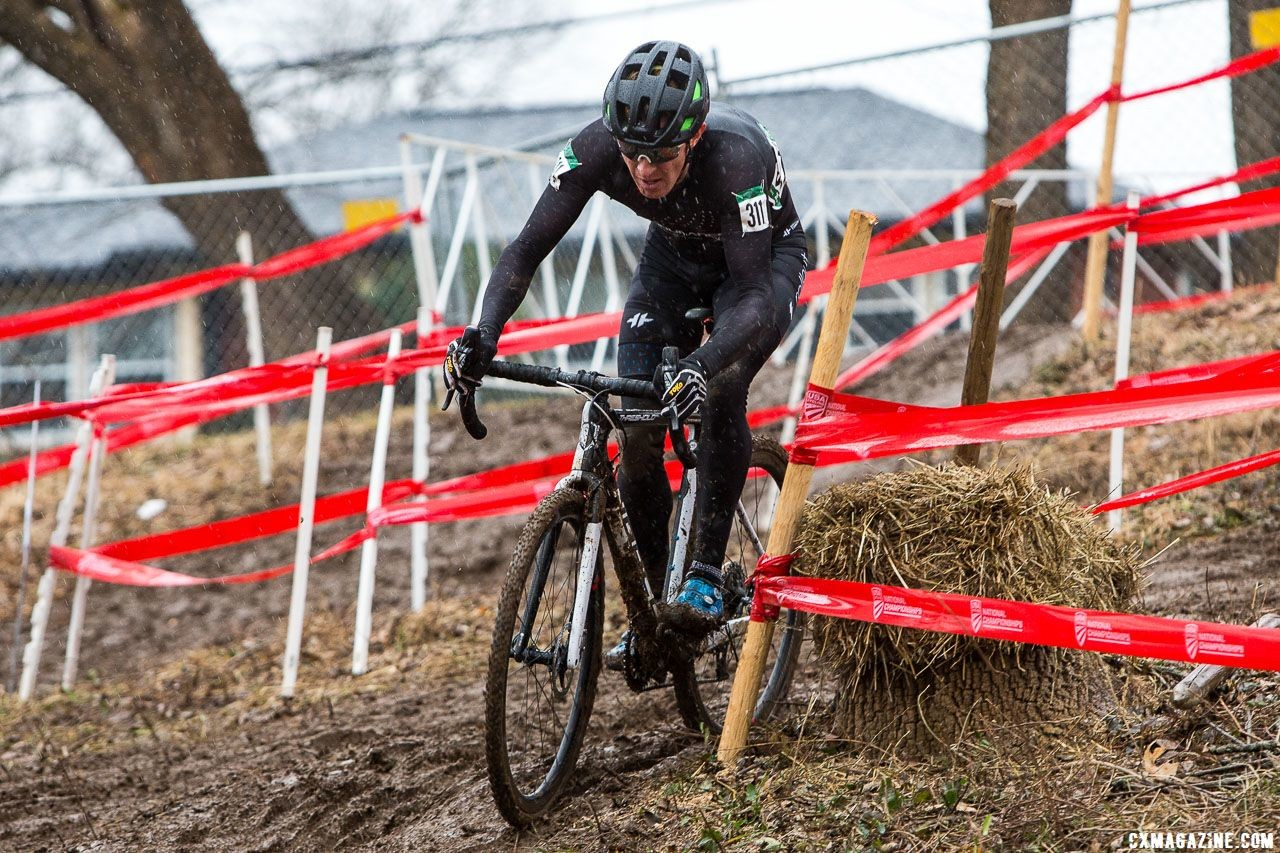 Kevin Day was an early race leader. Masters Men 40-44. 2018 Cyclocross National Championships, Louisville, KY. © K. Baumgardt / Cyclocross Magazine