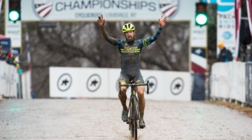 Jake Wells completed a last-lap comeback to win the Masters Men 40-44. 2018 Cyclocross National Championships, Louisville, KY. © K. Baumgardt / Cyclocross Magazine