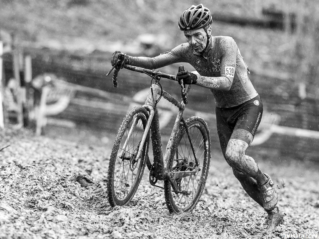 Riders ran many features. Masters Men 45-49. 2018 Cyclocross National Championships, Louisville, KY. © K. Baumgardt / Cyclocross Magazine