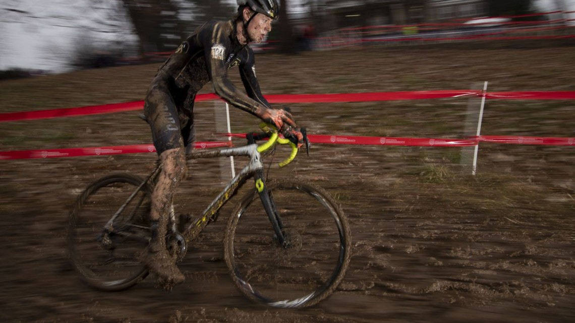 Grant Ellwood rolls to a Collegiate Club win. 2018 Cyclocross National Championships, Louisville, KY. © A. Yee / Cyclocross Magazine