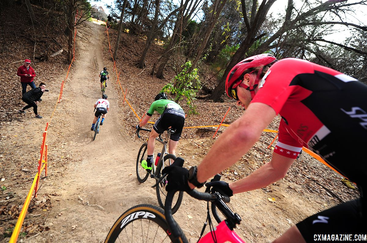 The lead group hits an incline. 2018 Resolution 'Cross Cup Day 2. © Lee McDaniel