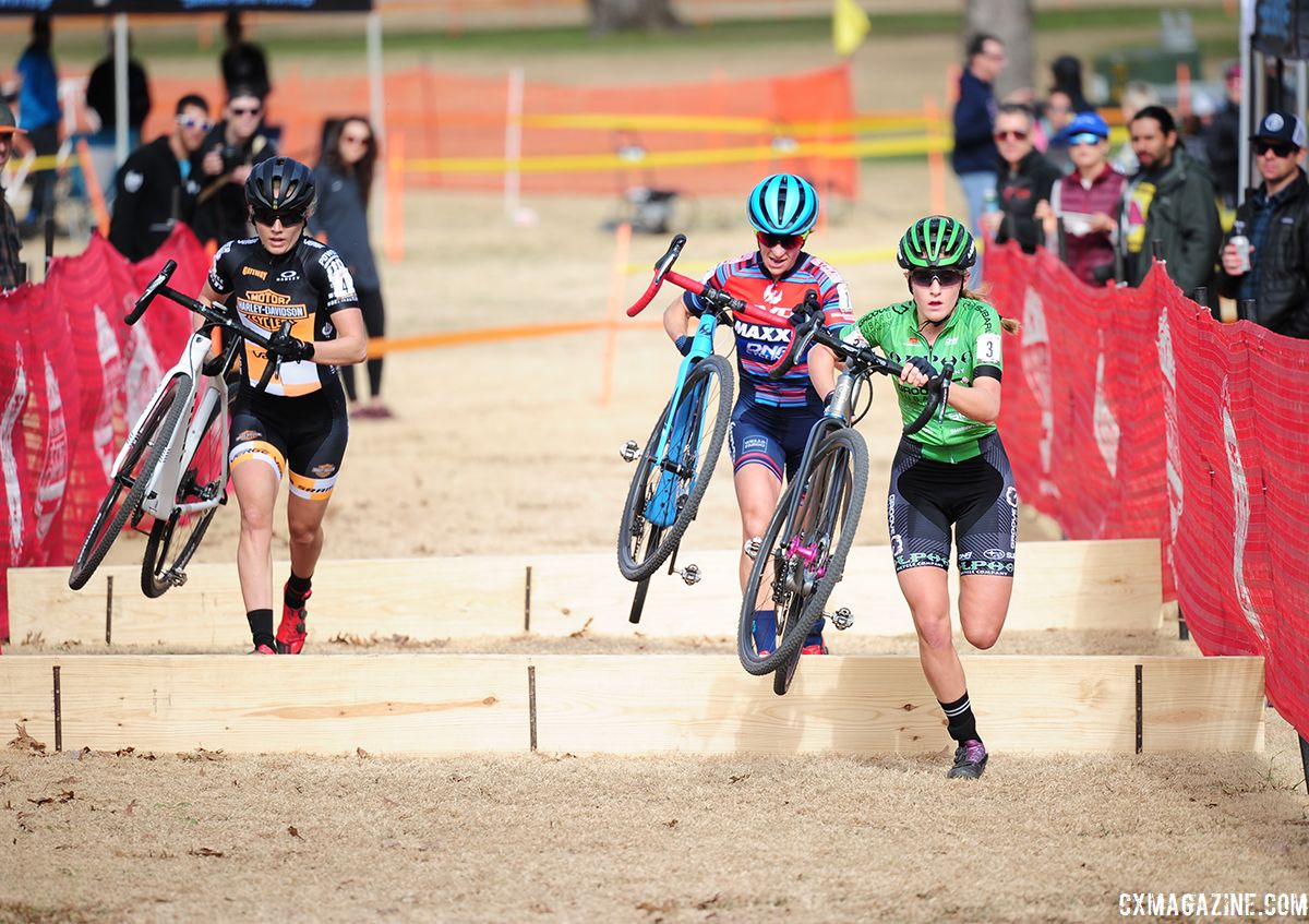 Clouse, McFadden and Nuss hit the barriers together. 2018 Resolution 'Cross Cup Day 2. © Lee McDaniel
