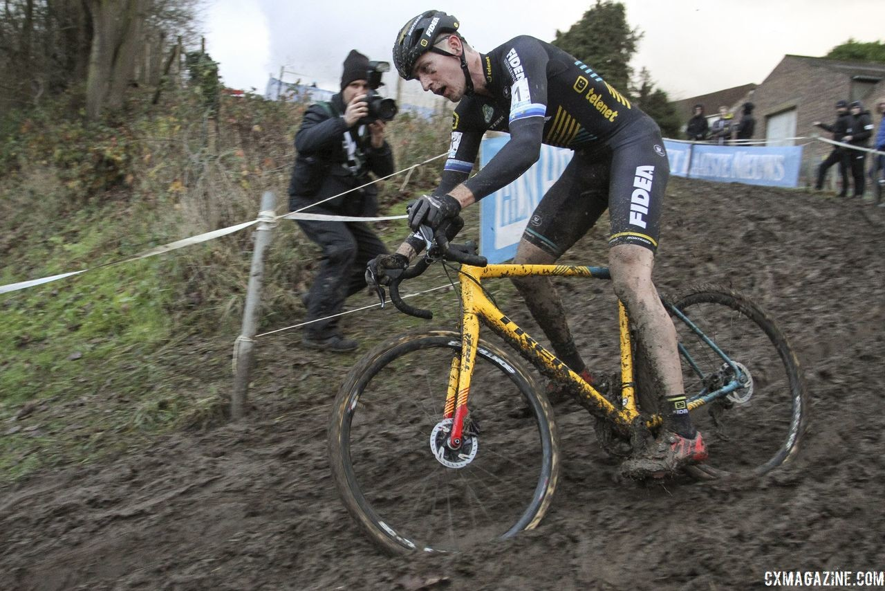 Once in the lead, Toon Aerts was near-perfect on Sunday. 2018 Vlaamse Druivencross Overijse. © B. Hazen / Cyclocross Magazine