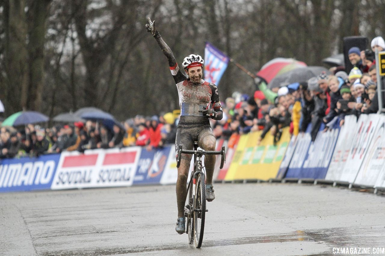Lucinda Brand got her second World Cup win of the season at Namur. 2018 World Cup Namur. © B. Hazen / Cyclocross Magazine