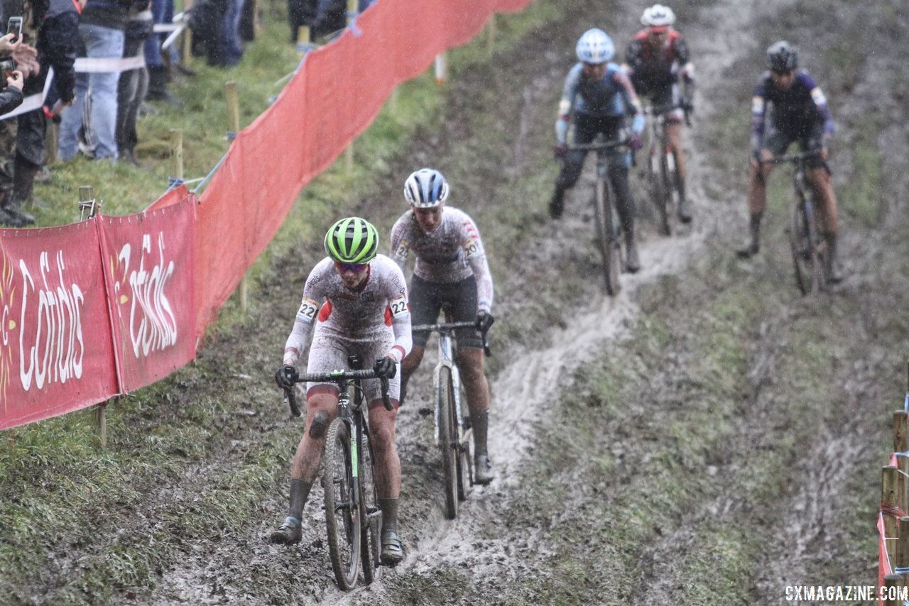 Vos leads through the off-camber in Lap 1. 2018 World Cup Namur. © B. Hazen / Cyclocross Magazine