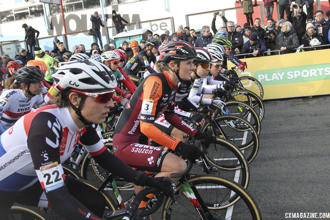 UCI Rule Changes: Junior Women Race, 50 Minute Women's Races by