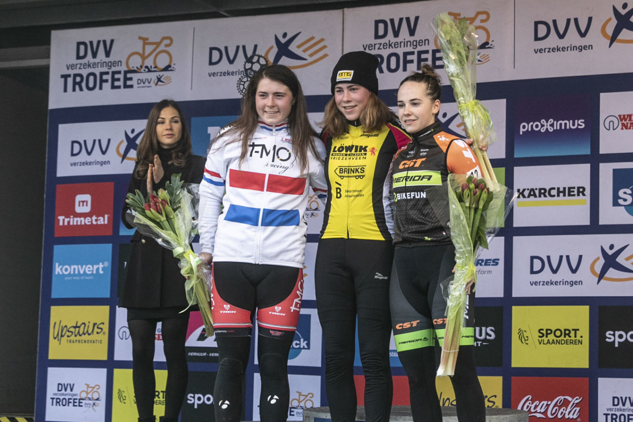 The first-ever Helen100 Junior Women's race took place in Loenhout last December. 2018 Helen100 Trophy Junior Women Race, Azencross Loenhout. © Hans van der Maarel