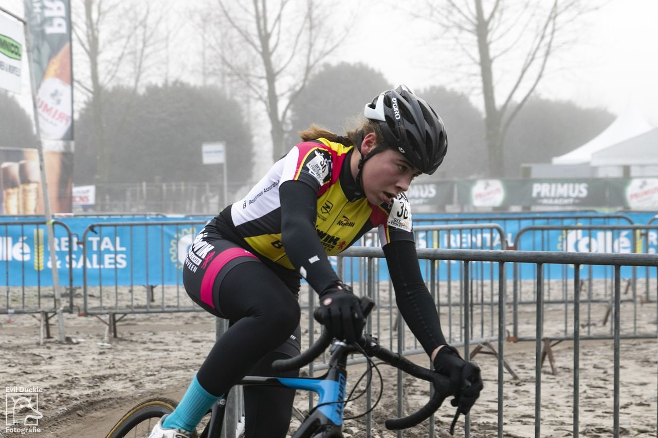 Sofie van Rooijen won the Helen100 Trophy race.. 2018 Helen100 Trophy Junior Women Race, Azencross Loenhout. © Hans van der Maarel