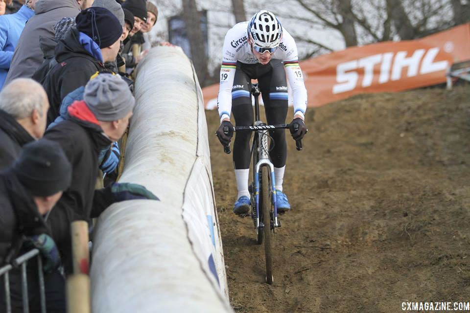 Van der Poel took the lead in the technical section of Lap 3. 2018 World Cup Heusden-Zolder. © B. Hazen / Cyclocross Magazine