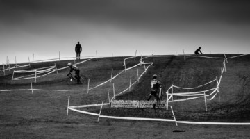 A large berm served as a key course feature. 2018 Illinois State Cyclocross Championships, Montrose Harbor. © Timothy Gray
