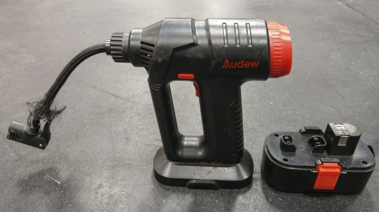 Audew Cordless Air Compressor. © C. Mayhew / Cyclocross Magazine