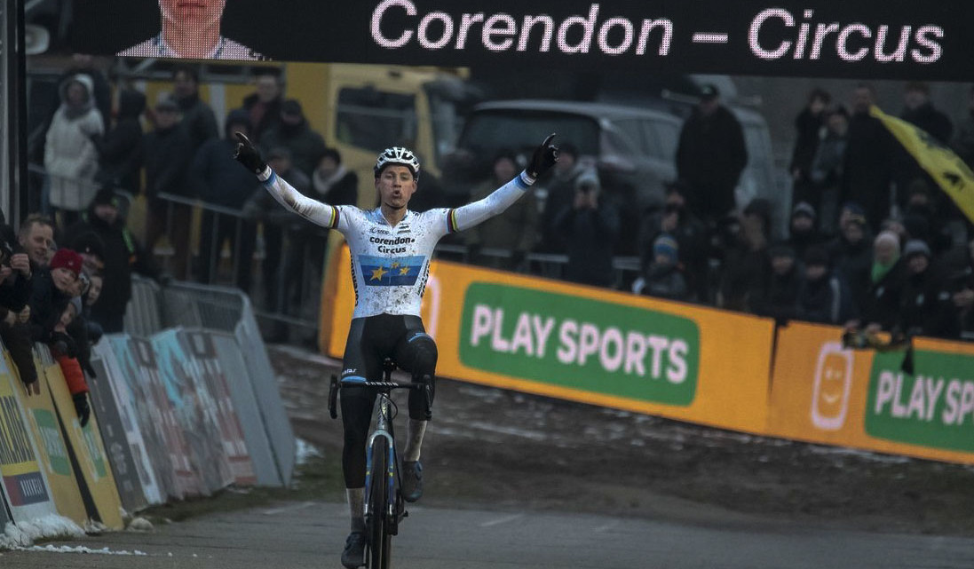 Mathieu van der Poel was dominant again at Zonhoven. 2018 Superprestige Zonhoven. © B. Hazen / Cyclocross Magazine