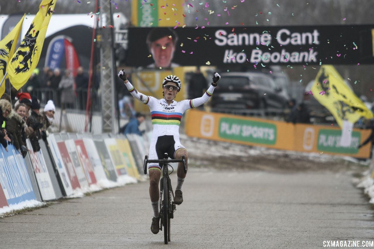 Sanne Cant celebrates her win at Zonhoven. 2018 Superprestige Zonhoven. © B. Hazen / Cyclocross Magazine