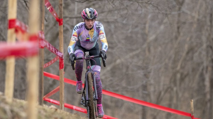 Taylor Kyuk-White takes the high line through the off-camber. Masters Women 30-34. 2018 Cyclocross National Championships, Louisville, KY. © A. Yee / Cyclocross Magazine