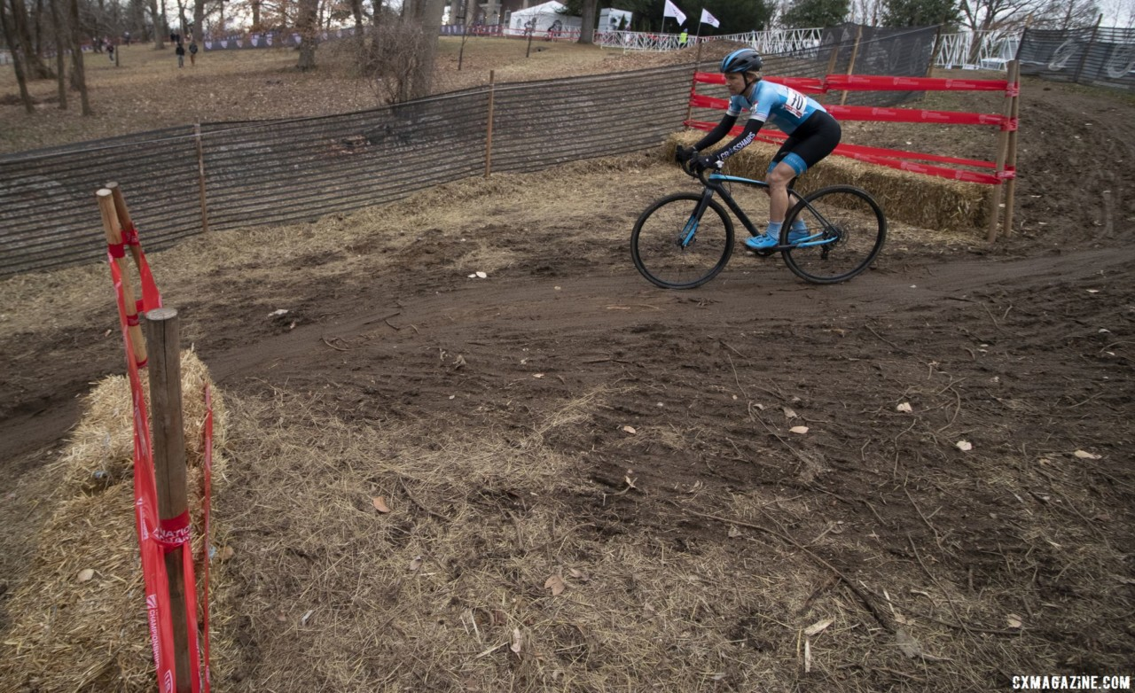 Elizabeth Sheldon enters the technical descent on her way to bronze. Masters Women 50-54. 2018 Cyclocross National Championships, Louisville, KY. © A. Yee / Cyclocross Magazine