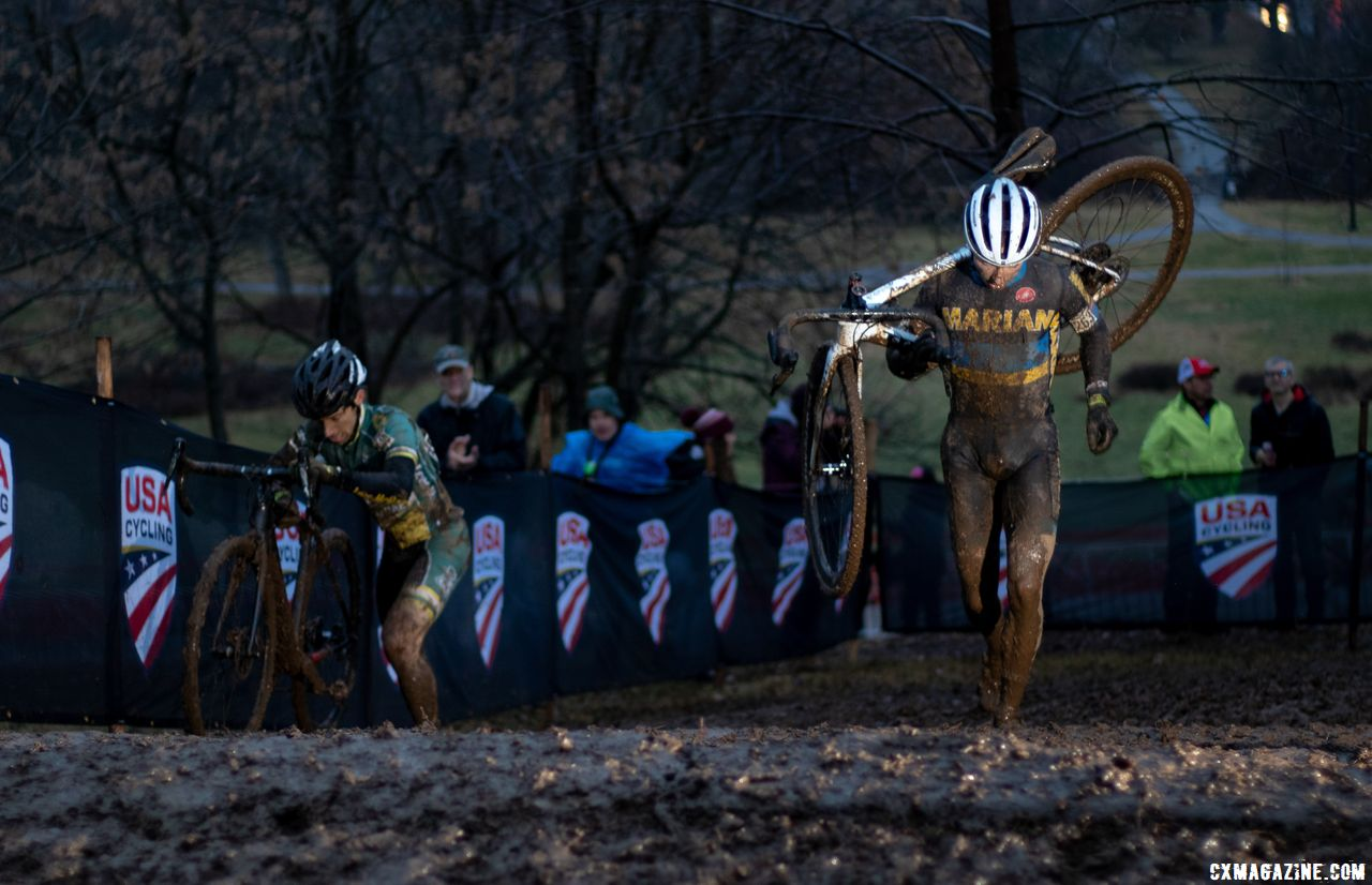 Caleb Swartz used his running legs to secure the Collegiate Varsity Men's victory. 2018 Cyclocross National Championships, Louisville, KY. © A. Yee / Cyclocross Magazine