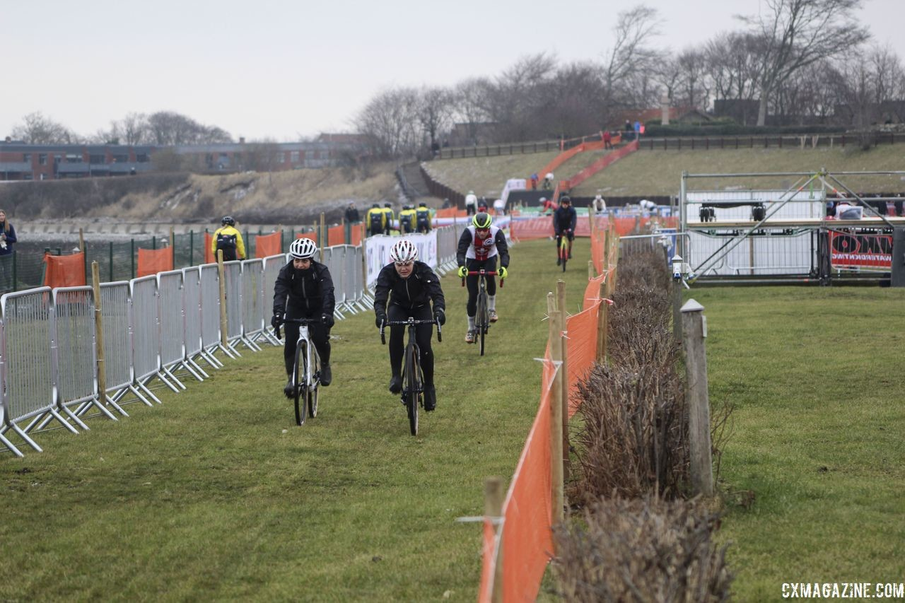 Traffic heading out and heading back toward the barriers. 2019 Bogense World Championships Course Preview. © Z. Schuster / Cyclocross Magazine