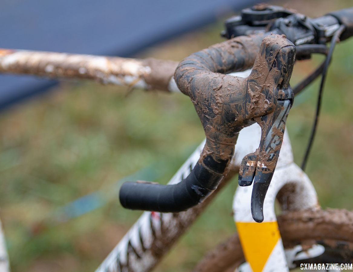 Sturm converted her team race bikes for the Singlespeed race, she her right shifter just hung out on Saturday. Sarah Sturm's title-winning singlespeed Specialized Crux. 2018 Cyclocross National Championships, Louisville, KY. © A. Yee / Cyclocross Magazine