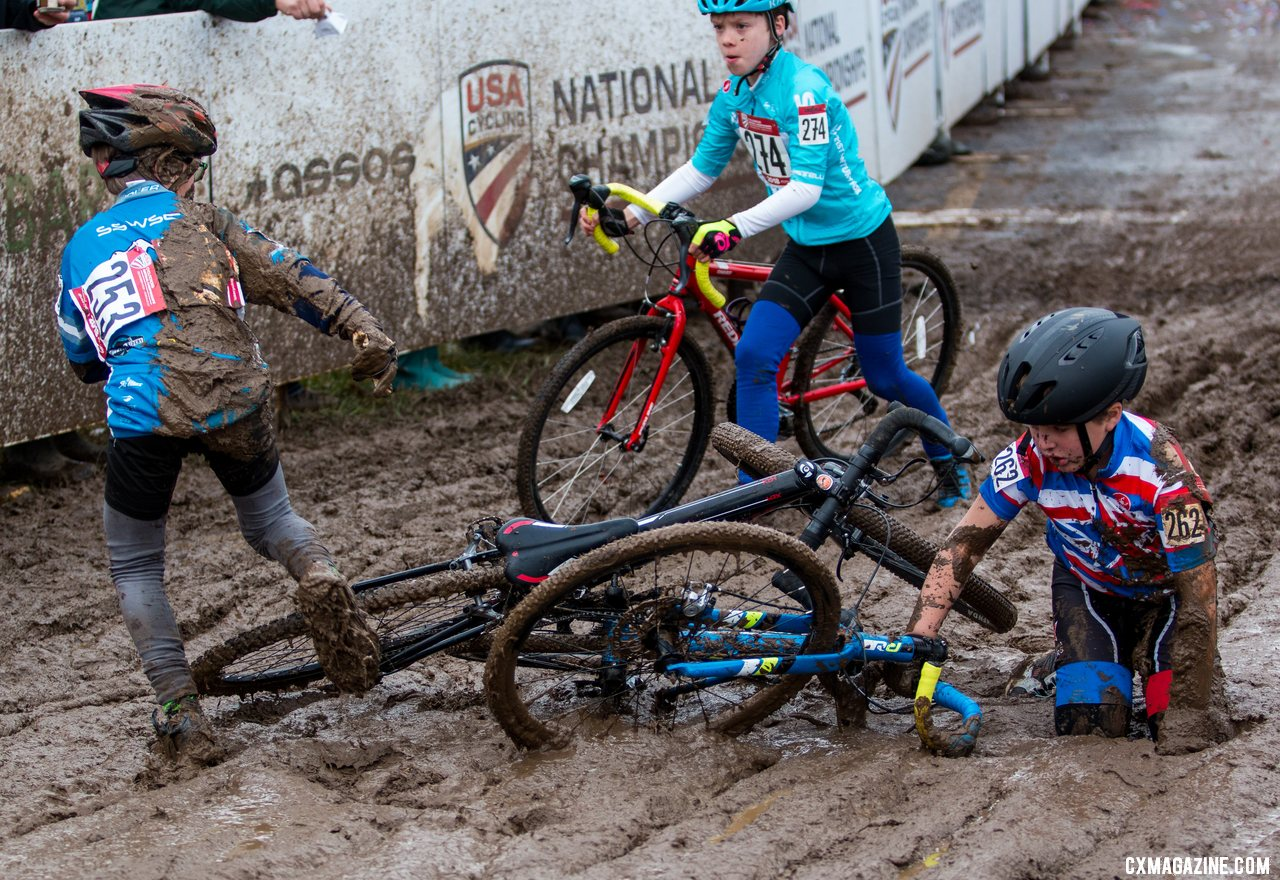 Miller Reardon narrowly avoids a pile-up coming off the first straight. 2018 Cyclocross National Championships, Louisville, KY. © A. Yee / Cyclocross Magazine