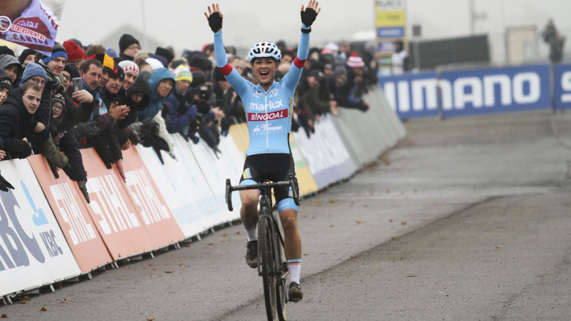 Denise Betsema won the 2018 World Cup Koksijde. © B. Hazen / Cyclocross Magazine