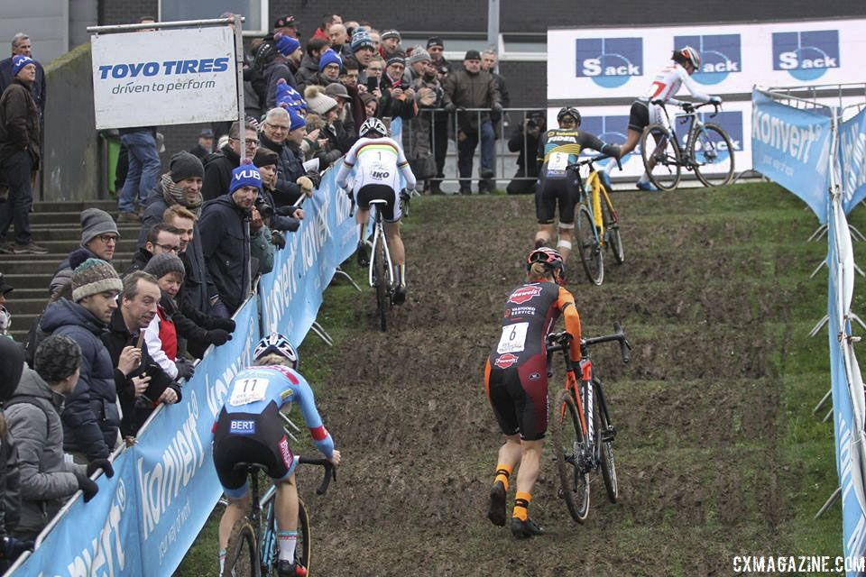 The women head up the rollers in the first lap. 2019 Brussels Universities Cyclocross. © B. Hazen