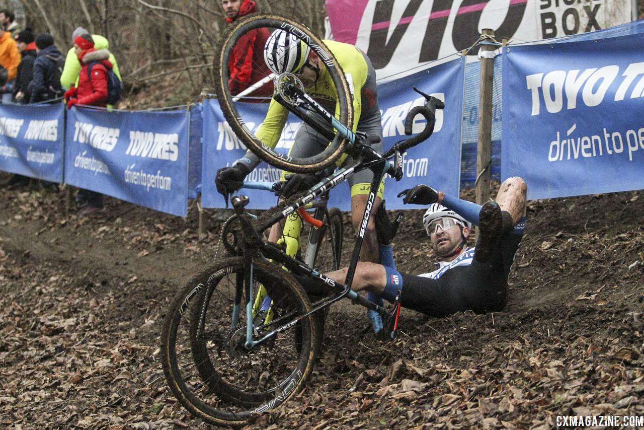 Kerry Werner got involved in some extracurriculars in the woods. 2019 Brussels Universities Cyclocross. © B. Hazen / Cyclocross Magazine
