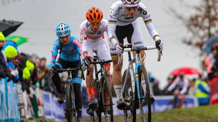 Sanne cant leads World Cup winner Vos and Betsema. Elite Women. 2019 Hoogerheide World Cup, GP Adri van der Poel. © B. Hazen / Cyclocross Magazine
