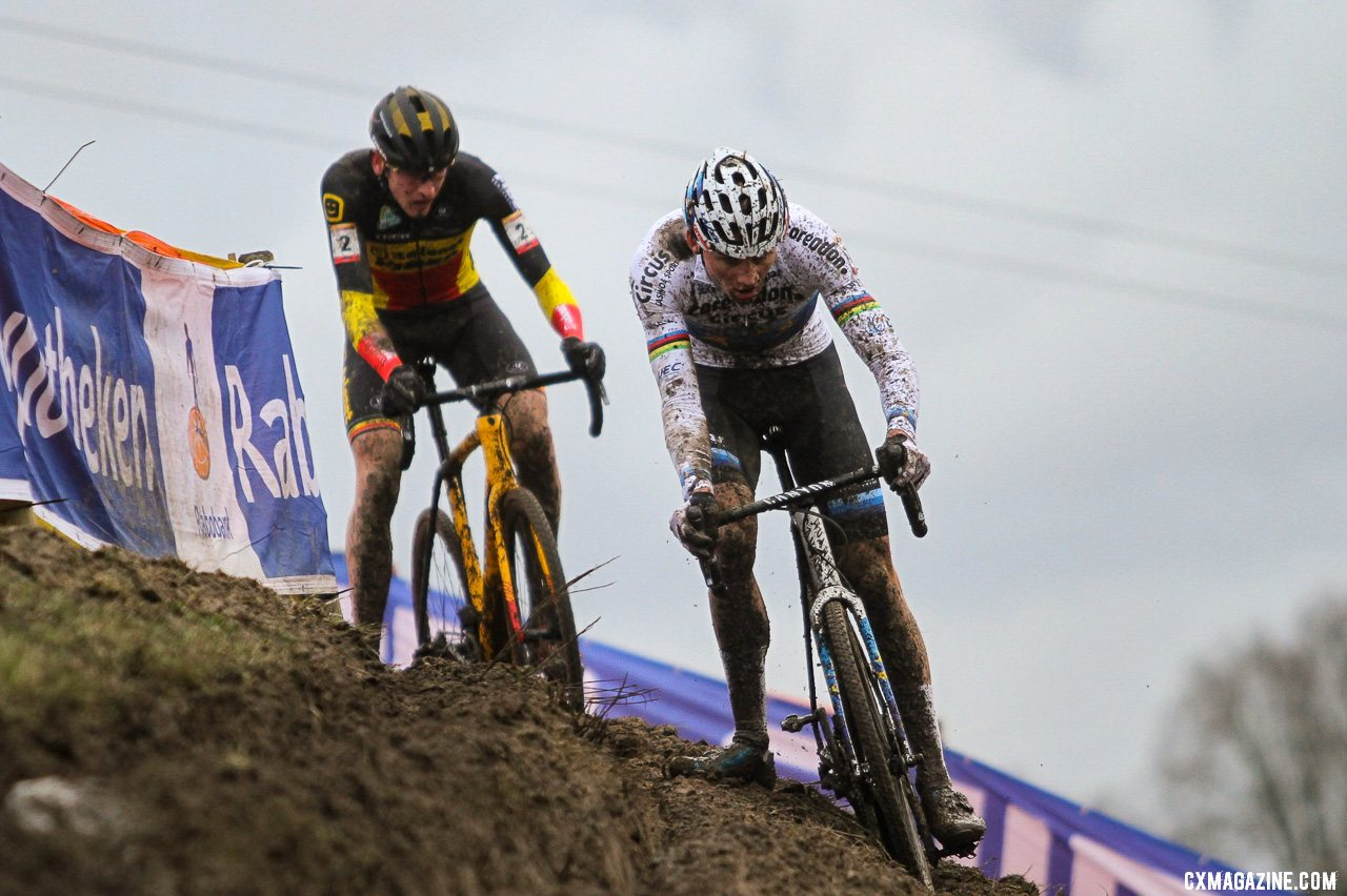 The European champ leads the Belgian champ. Elite Men, 2019 Hoogerheide UCI Cyclocross World Cup. © B. Hazen / Cyclocross Magazine