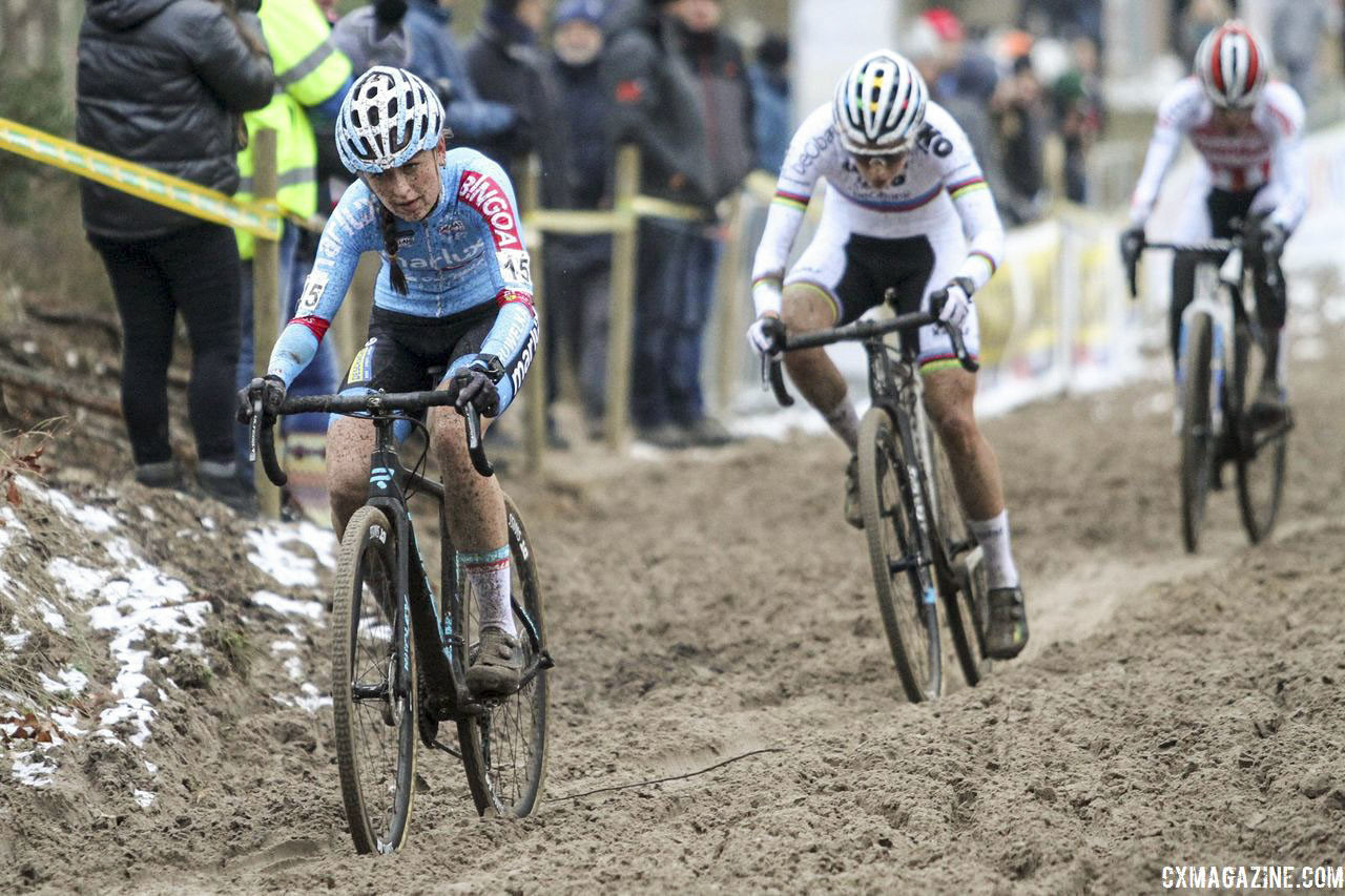 Betsema has stared down the world's best this season. She is now looking toward a great result at Worlds. 2018 Superprestige Zonhoven. © B. Hazen / Cyclocross Magazine