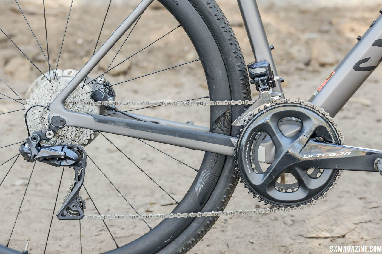 The Grail CF SLX 8.0 uses a Shimano Ultegra crankset and a compact 50/34t chain ring combo. Canyon Grail CF SLX 8.0 Gravel Bike. © C. Lee / Cyclocross Magazine