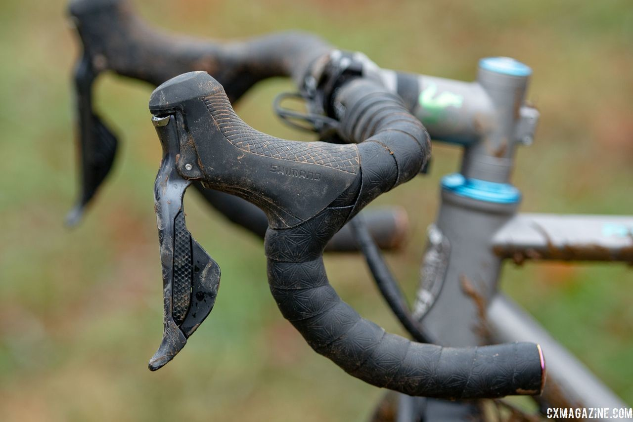 Clouse's mix-and-match components included Ultegra R8070 Di2 shift/brake levers. Katie Clouse's Moots Psychlo X RSL. 2018 Cyclocross National Championships V2. Louisville, KY. © Cyclocross Magazine