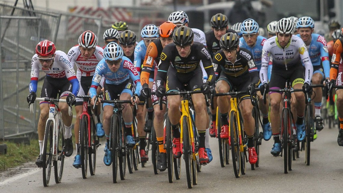 A rather clean Elite Men's field at the start of the race. 2019 GP Sven Nys, Baal. © B. Hazen / Cyclocross Magazine