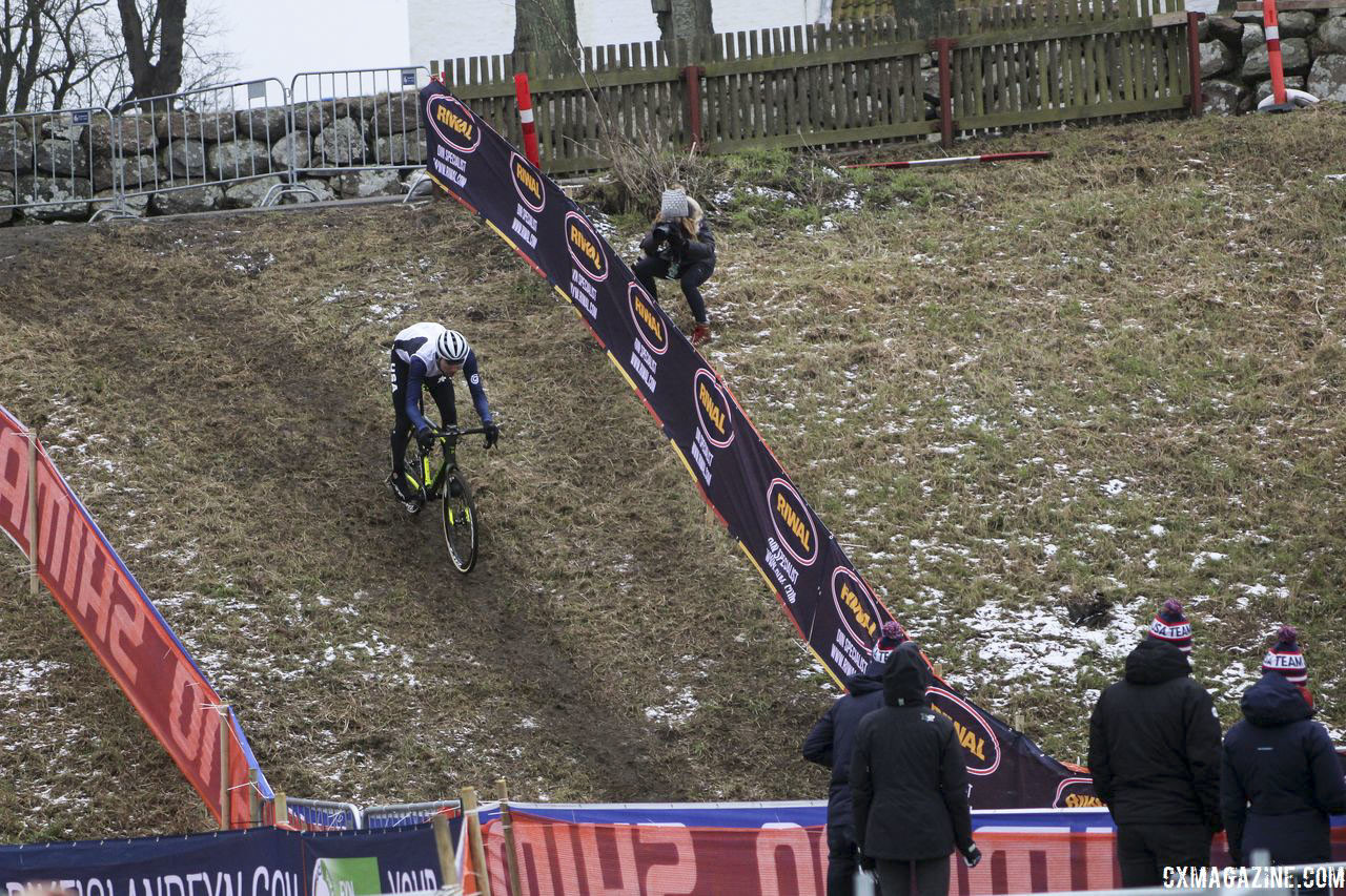 A group of younger U.S. riders was out looking at the course Thursday. Bogense World Championships Course Preview. © Z. Schuster / Cyclocross Magazine
